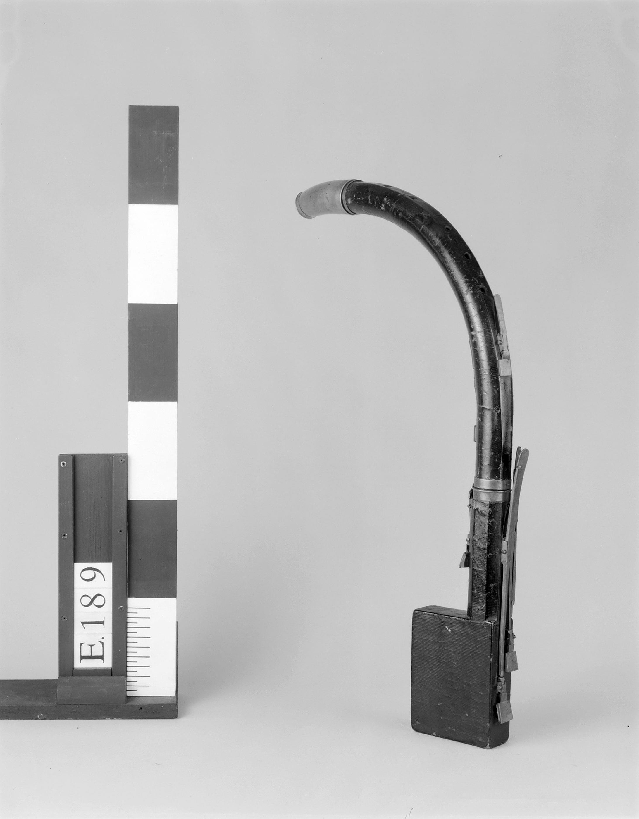 Cor de basset | Bühner & Keller