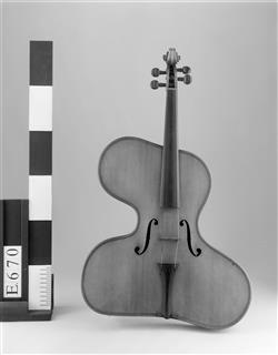 "Violon irrégulier ""violino harpa""   Thomas Zach"