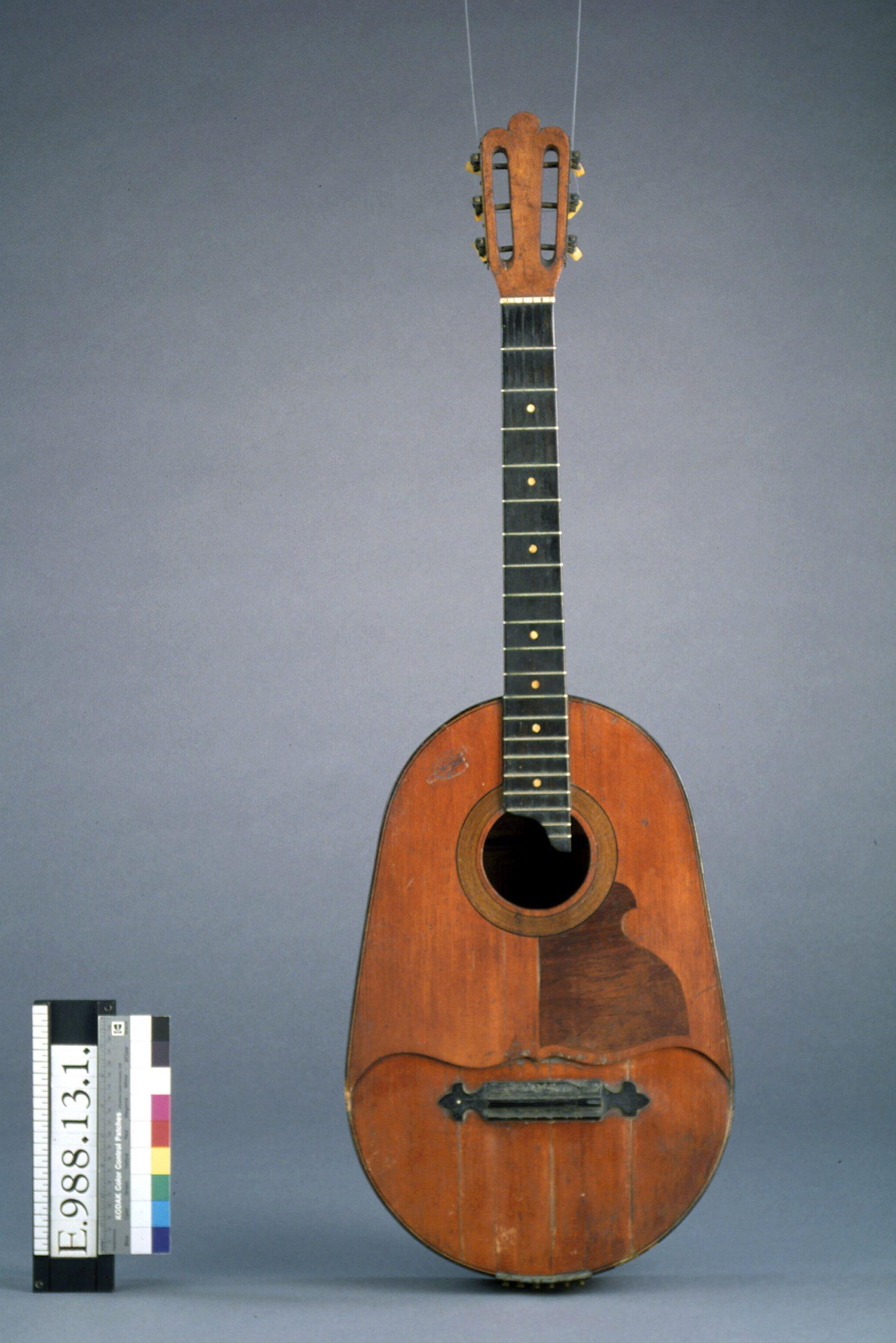 Guitare hawaïenne | Lucien Gelas