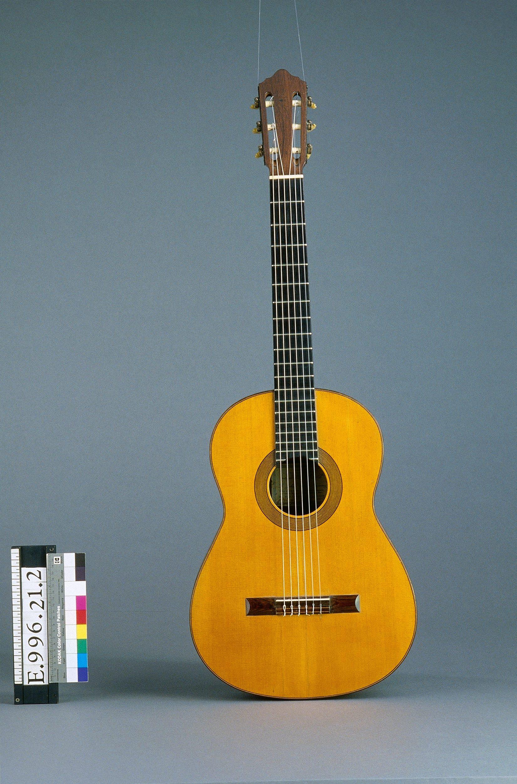 Guitare   Julian Ramirez Gomez