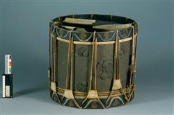 Tambour militaire sur fût cylindrique | Anonyme