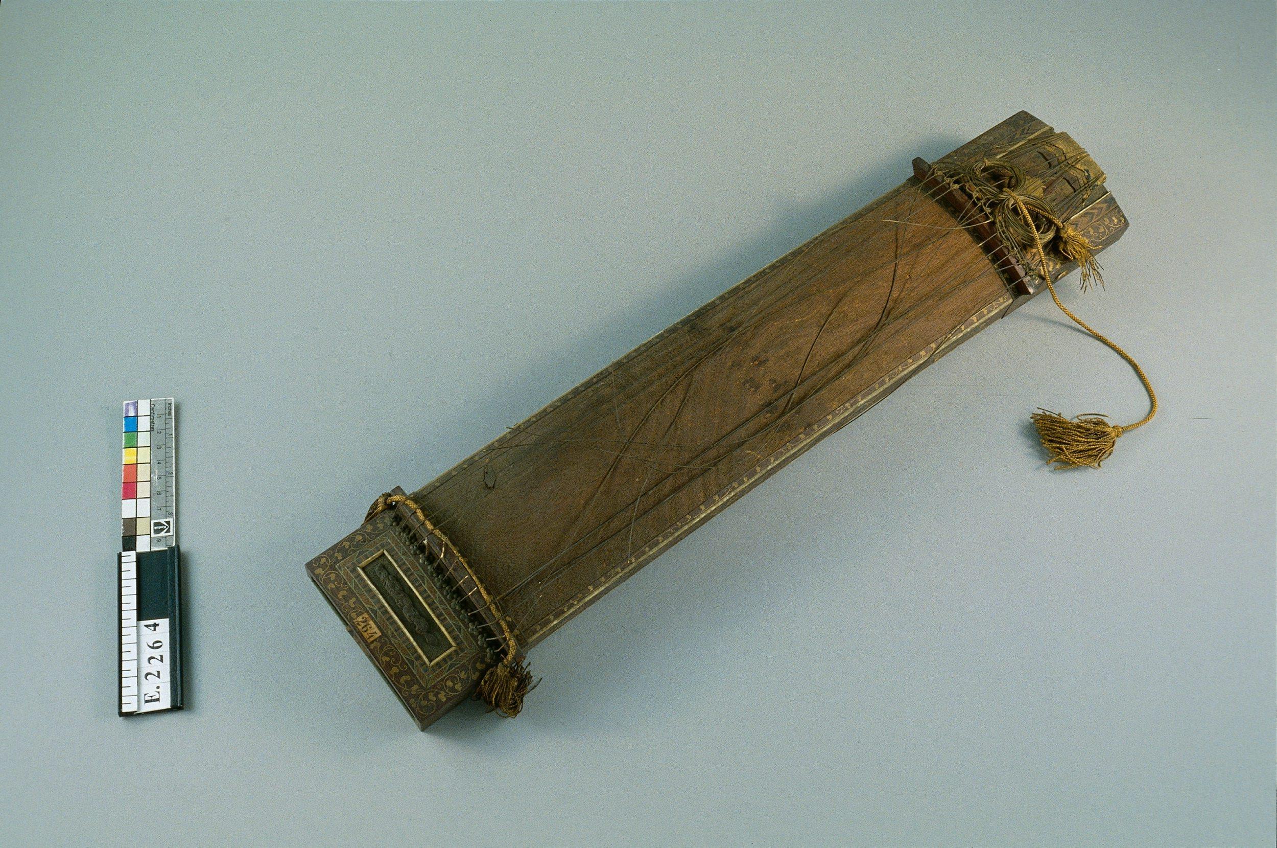 "Cithare sur table miniature ""koto"" | Anonyme"