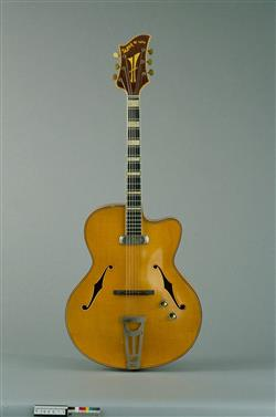 Guitare électrique modèle Super De Luxe   Jacobacci Frères