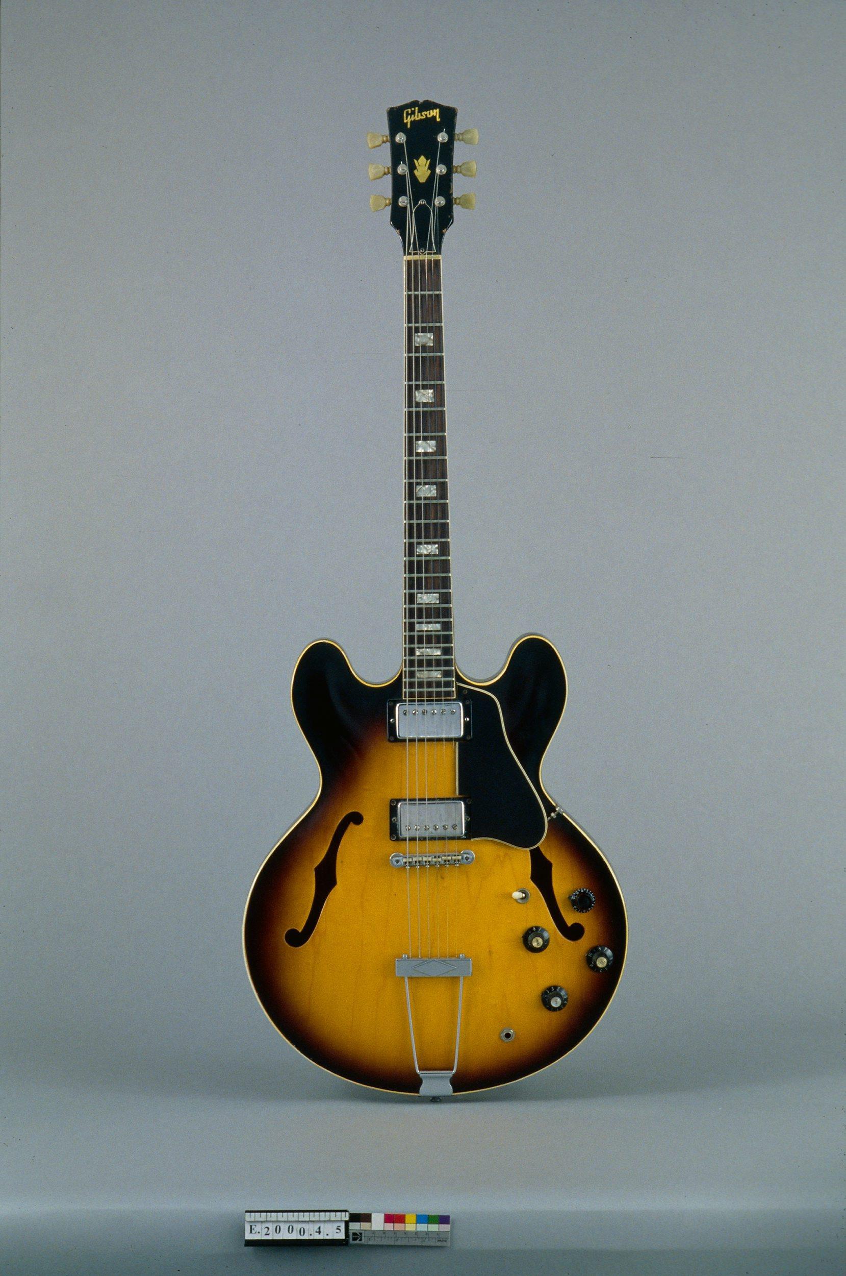 Guitare électrique modèle ES-335 TD   Gibson
