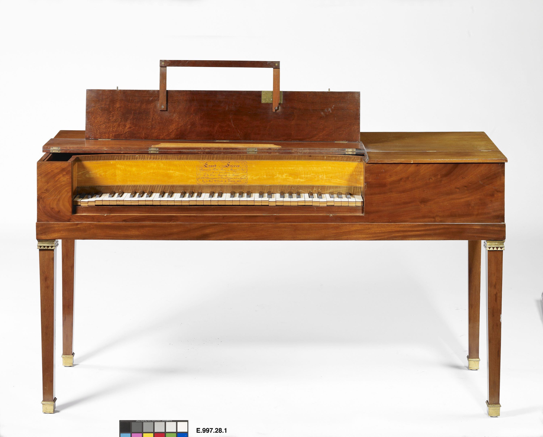 Piano carré | Erard