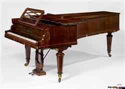 Piano à queue   Maison Erard