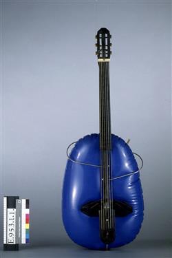 Guitare pliable et gonflable | Baschet