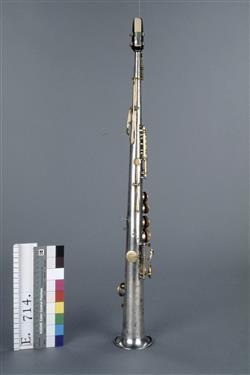 Saxophone soprano en si b.   Adolphe Sax