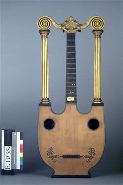 Guitare-Lyre | Pons