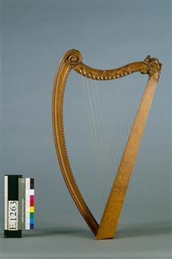 Harpe portative (reconstitution) | Maison Erard