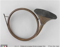 Trompe de chasse, modèle Dauphine   Famille Raoux