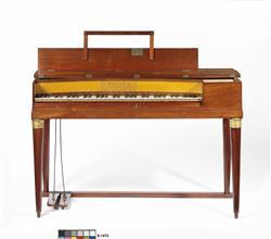 Piano carré   Maison Erard
