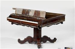 Piano table   Jean-Henri Pape