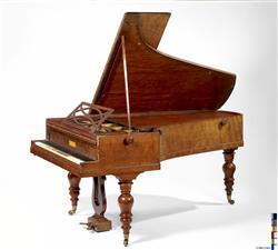 Piano à queue   Maison Pleyel